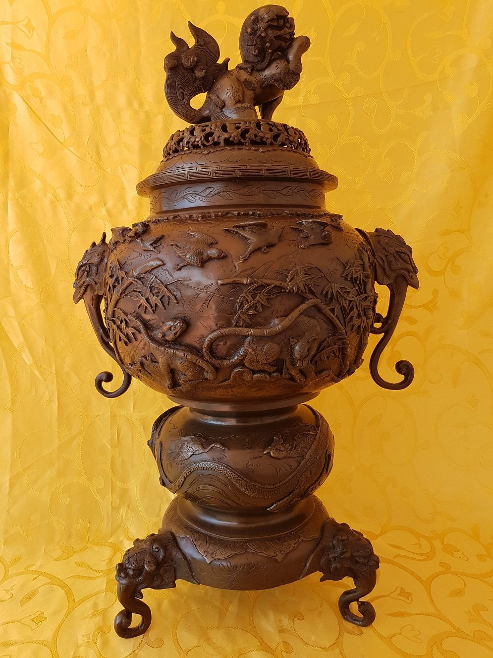 Japanese bronze temple koro incense burner of very high quality