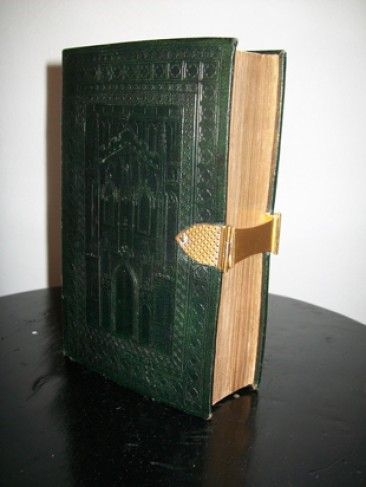 No 95 – Antique Bibles: Africana Psalm Book with Gold Clasps and Catches, 1834