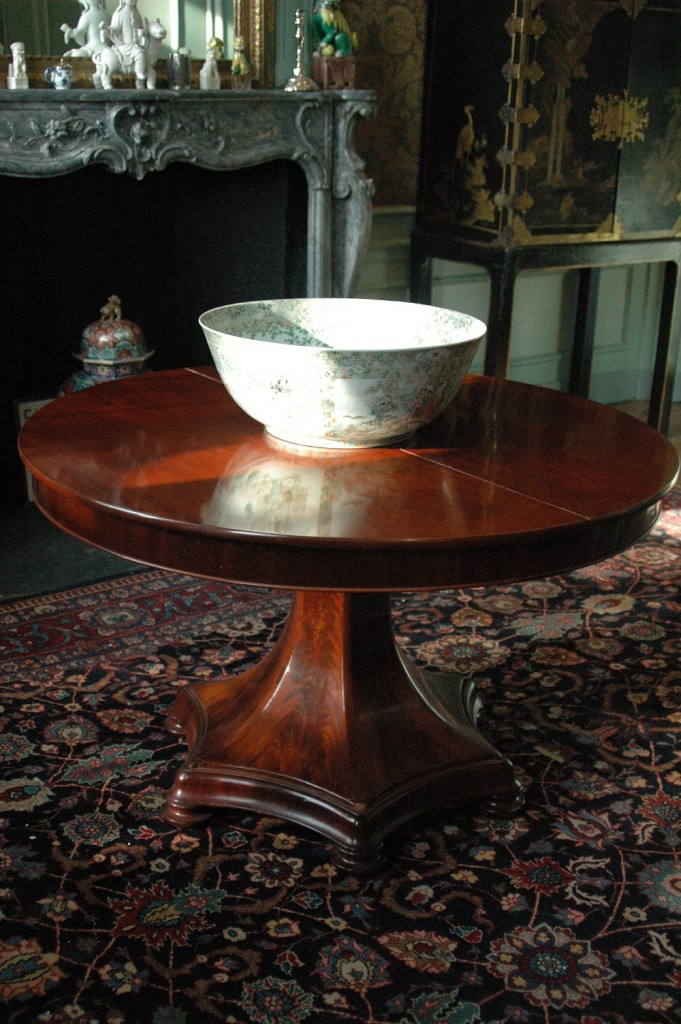 Dutch oval extending dining table, mahogany, with 6 sided veil base. Circa 1840.